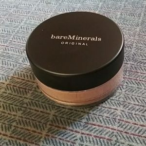 Bare minerals original powder foundations in mediu